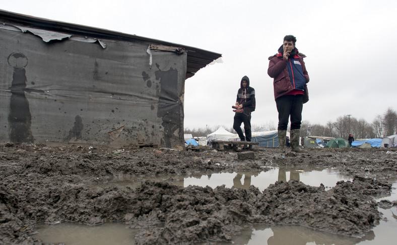 Obóz dla uchodźców w Dunkierce we Francji
