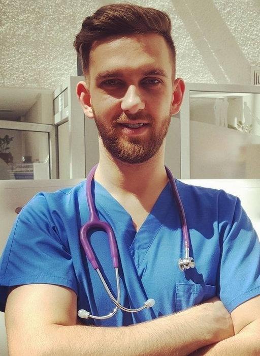 Lekarz z Zanzibaru o polskich celebrytach: te ich podróże są...