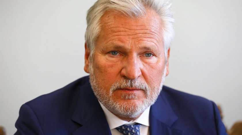 Aleksander Kwaśniewski w Polsat News zachęca do szczepień