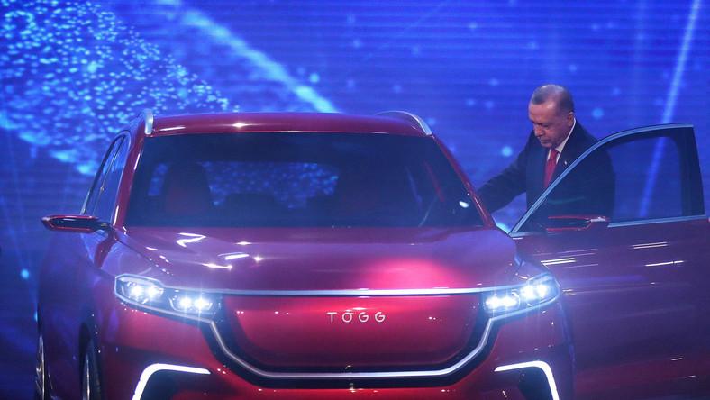 TOGG elektryczny SUV i prezydent Recep Tayyip Erdogan
