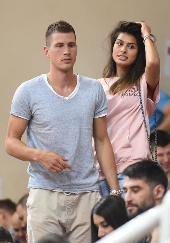 Nemanja Nedović sa devojkom Minom