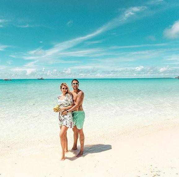 Biljana i Janko Tipsarević na Maldivima