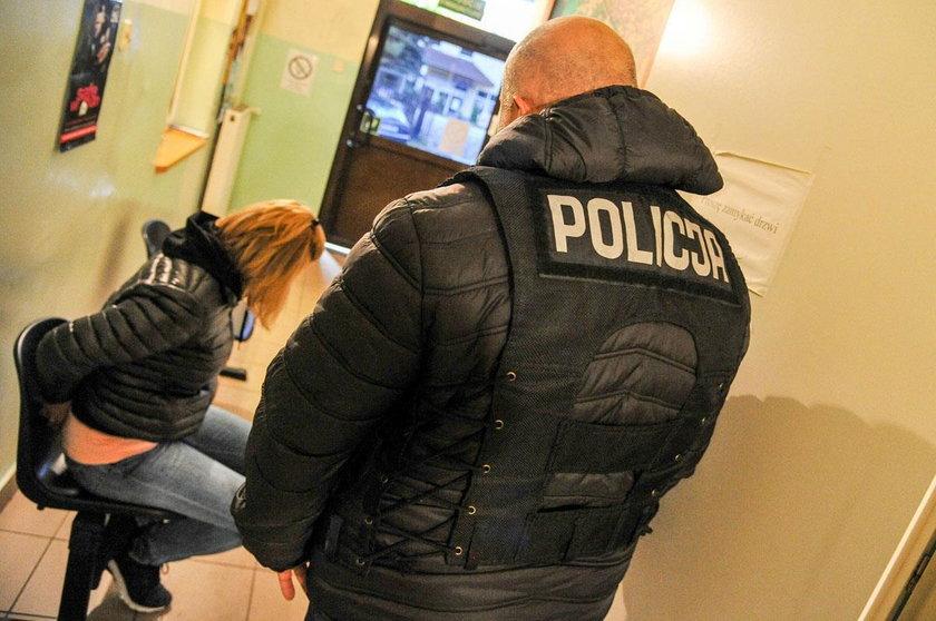 Stręczyciel zmuszał 33-latkę do prostytucji. Zarobił na niej 1,2 mln zł