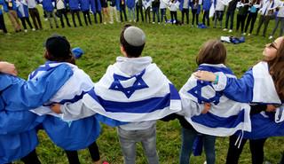 Tejchman: Wspólnota pod dwiema flagami