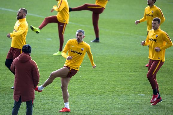 Aleksandar Kolarov na treningu Rome