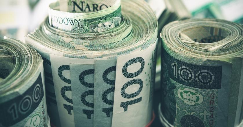 Według danych NBP 66 proc. Polaków uważa płatności bezgotówkowe za wygodniejsze od używania gotówki