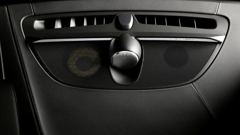 Zestaw centralny czyli głośnik średniotonowy i wysokotonowy 25 mm - Bowers & Wilkins w Volvo V90