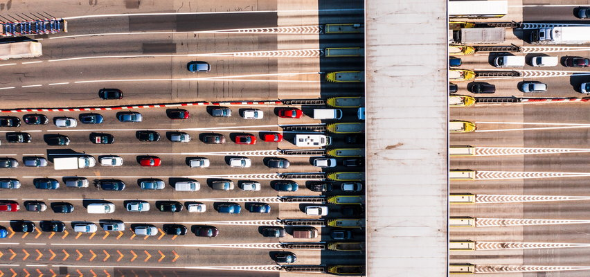 Kierowcy mają dość bramek i stania w korkach. Premier obiecuje trzeci pas na autostradzie A4