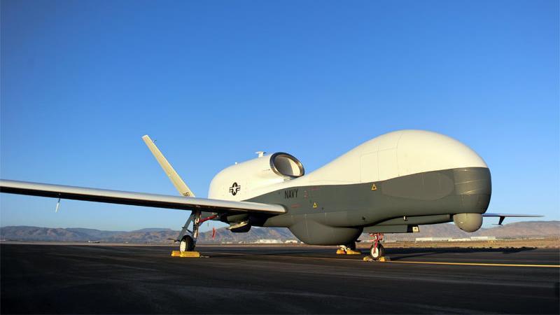 Wojskowy dron MQ-4C Triton przygotowuje się do służby