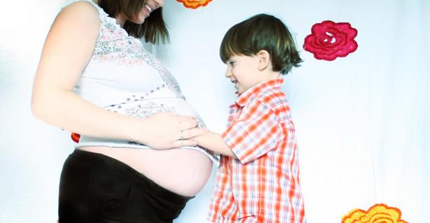 Ciężarne kobiety, aby otrzymać becikowe i dodatek po urodzeniu dziecka, będą musiały regularnie chodzić do lekarza. Przepis ten nie obejmie kobiet, które są już w ciąży.