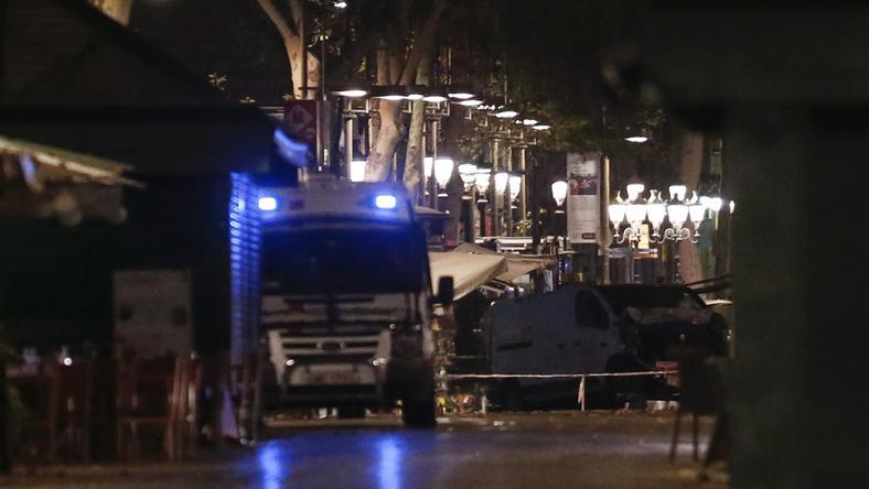 Zamach terrorystyczny w Barcelonie. Furgonetka wjechała w tłum