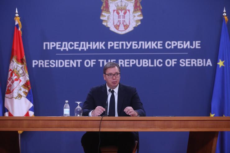 Aleksandar Vučić predstavlja mandatara