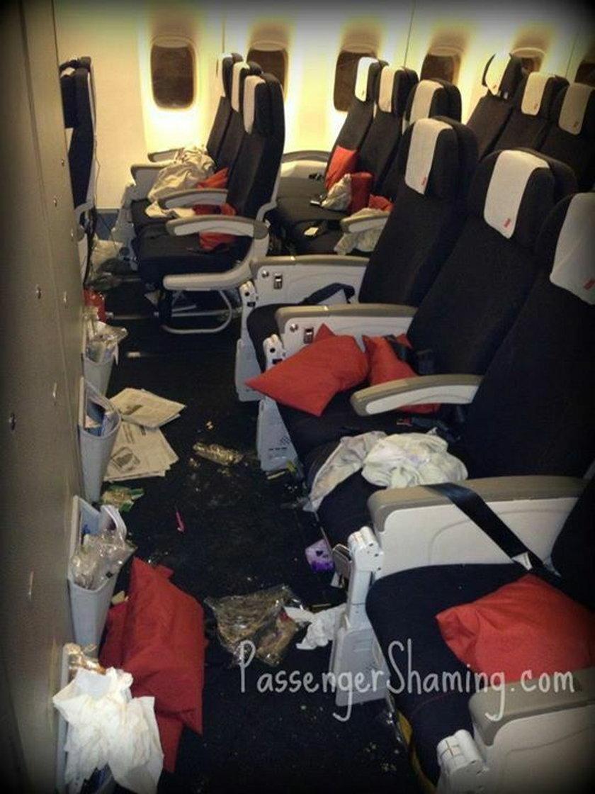 Zawstydzają pasażerów samolotów