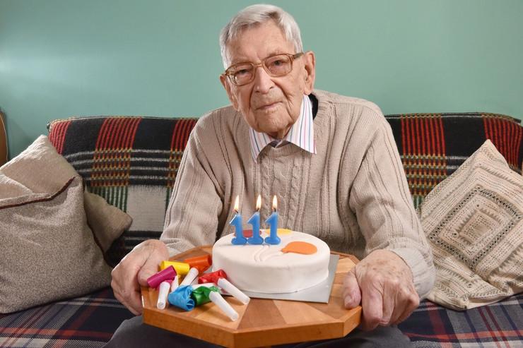 Britanac Bob Vejton, najstariji čovek na svetu