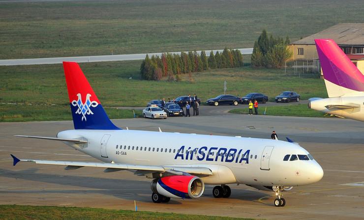 Air Serbia drugi avion slece na pistu_301013_RAS foto Oliver Bunic35-1