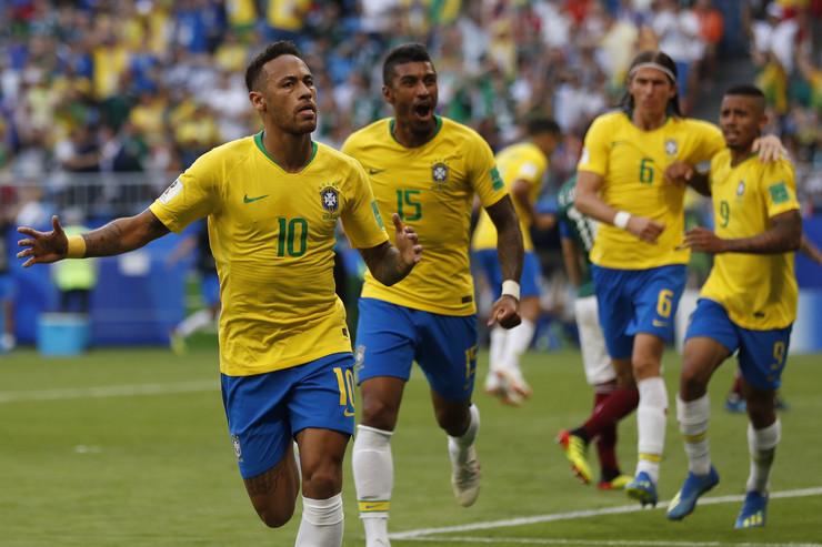 Fudbalska reprezentacija Brazila, Fudbalska reprezentacija Meksika
