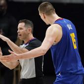 CRNO NA BELO - ČISTA PLJAČKA! Prebrojane sve greške NBA sudija, Nikola Jokić je apsolutni rekorder i to ne samo ove sezone!