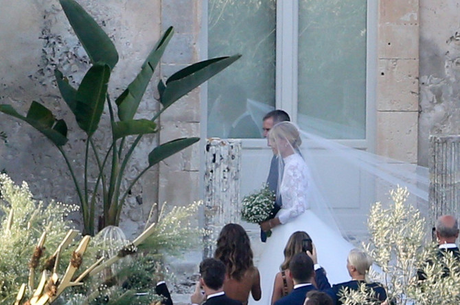 Kjara Feranji sa ocem na venčanju