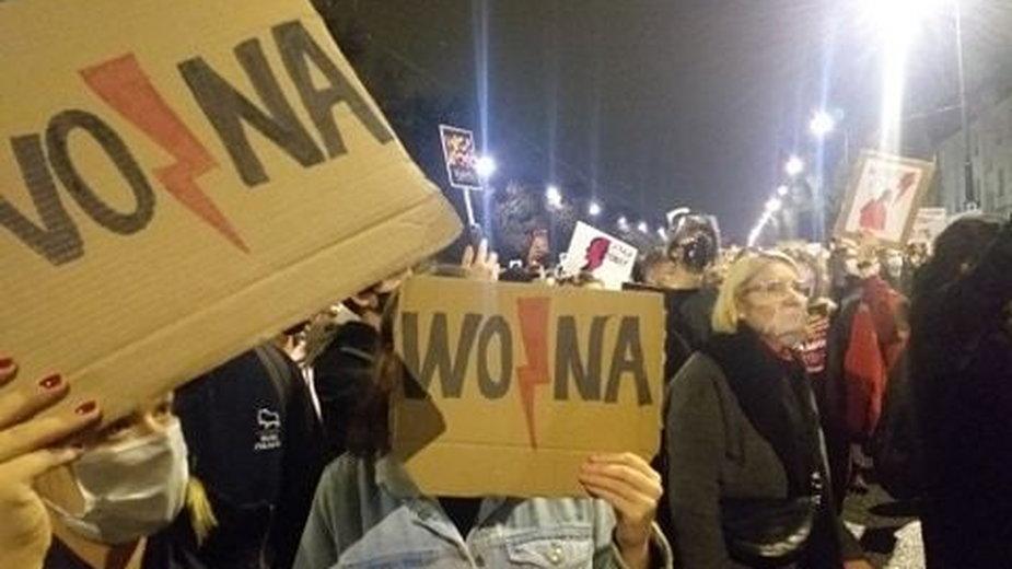 Warszawa. Protest w obronie kobiet