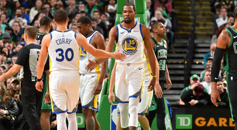 Golden State Warriors beat Boston Celtics to extend winning streak