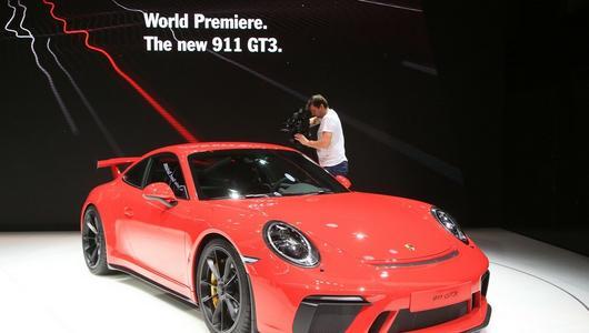 Porsche 911 GT3 - ręczna skrzynia i 500 KM | Genewa 2017