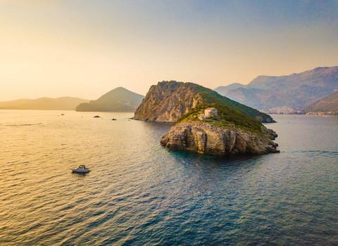 "Crnogorsko ostrvo Sveti Nikola dospelo na prestižnu listu američkog časopisa ""Forbes""!"