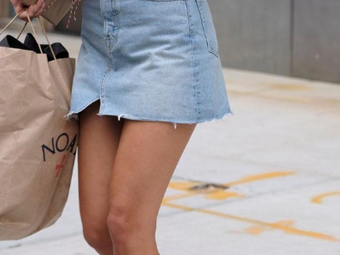 Mikro suknja je tek početak: Zbog gornjeg dela kombinacije za njom su se okretali SVI