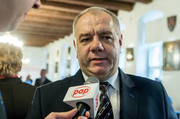 """Minister pytany, jaka powinna być polska polityka wobec Rosji, zaznaczył że rząd polski nie ma wątpliwości, jaki jest charakter władzy w Rosji. """"Naszym zadaniem jest przekonywać naszych partnerów w UE, NATO, że polityka ustępstw wobec Putina to jest zła polityka"""" - powiedział Sasin."""