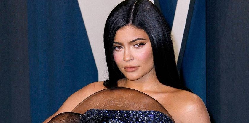 Kylie Jenner ma dom za 36 mln dolarów i... ledwo działający prysznic. Internauci mają używanie