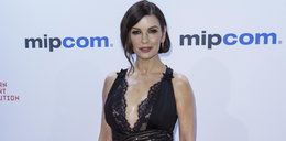 Co z biustem zrobiła Catherine Zeta-Jones?!