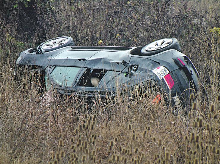 NIS13 BMW zavresi u jarku sa druge strane puta foto Branko Janackovic