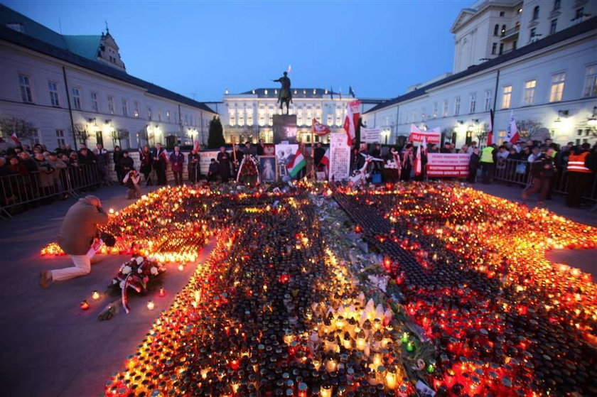 Awantura o kolejność wyczytywania ofiar katastrofy