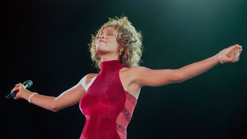 "Whitney Houston. Pośmiertny singiel. ""Higher Love"" na liście Billboard Hot 100"