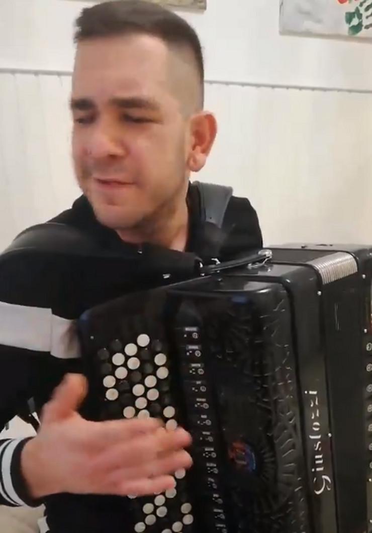 harmonikaš