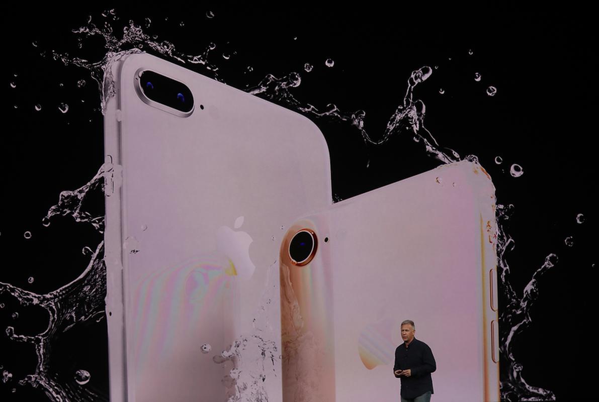 Wszystkie tegoroczne modele iPhone'ów są odporne na zachlapanie