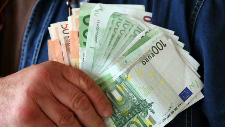 Tak sprawdzisz, czy euro jest fałszywe
