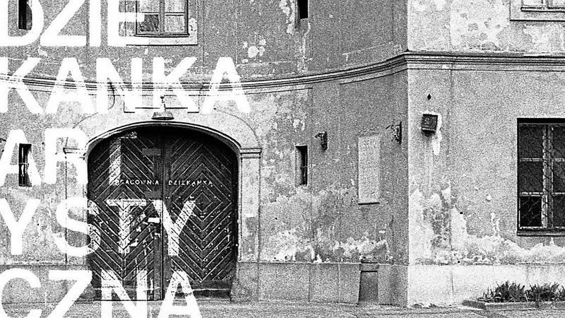 Dziekanka artystyczna. Fenomen kultury niezależnej 1972–1998 na Krakowskim Przedmieściu w Warszawie.