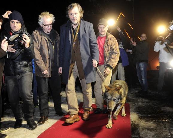 Emir Kusturica prošetao vuka crvenim tepihom