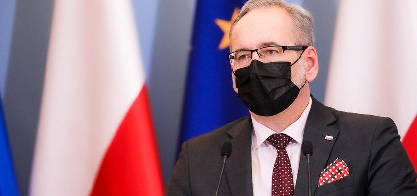 """Czwarta fala ma być """"inna niż dotychczasowe""""! Konferencja Adama Niedzielskiego i Michała Dworczyka. Będą nowe zakazy?"""