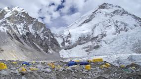 Zakaz wspinaczki na Everest od strony Nepalu w tym sezonie - działają wyprawy od strony Tybetu