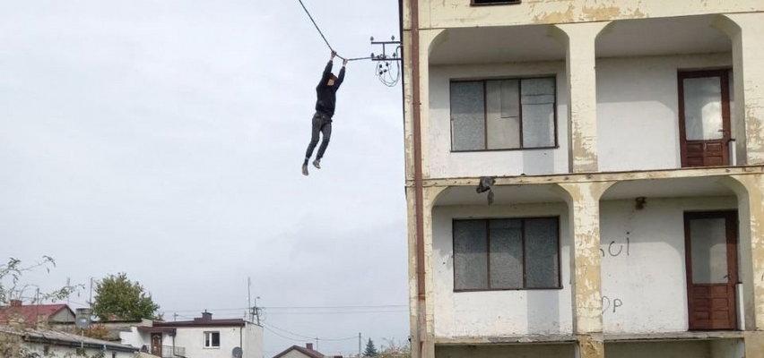 Raciąż. Nastolatek chciał uciec policji - spadł na ziemię z dużej wysokości