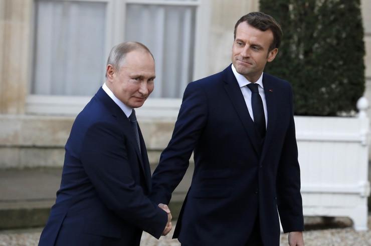 Makron Putin