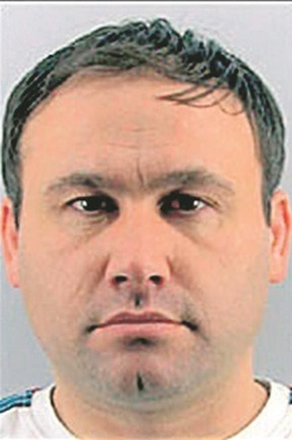 Bobet je u Srbiji osuđen na pet godina zatvora zbog krađe