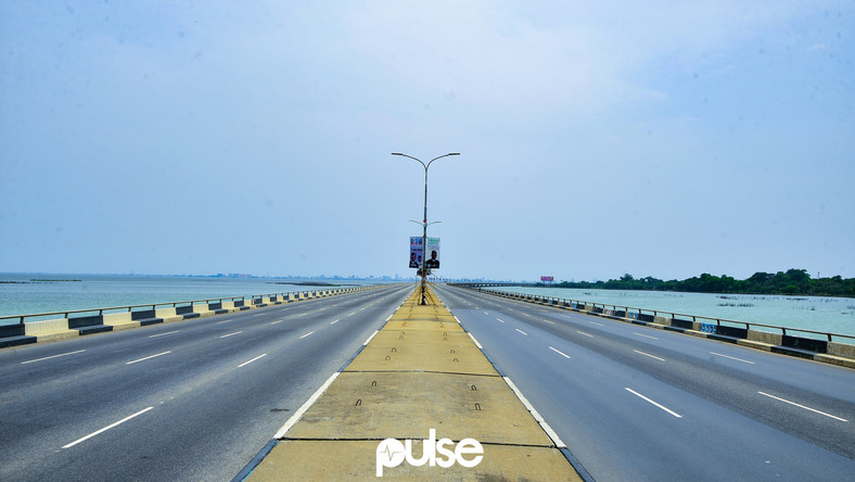 An integral transportation structure in Lagos state, the Third Mainland Bridge looks calm and empty on election day (Pulse)