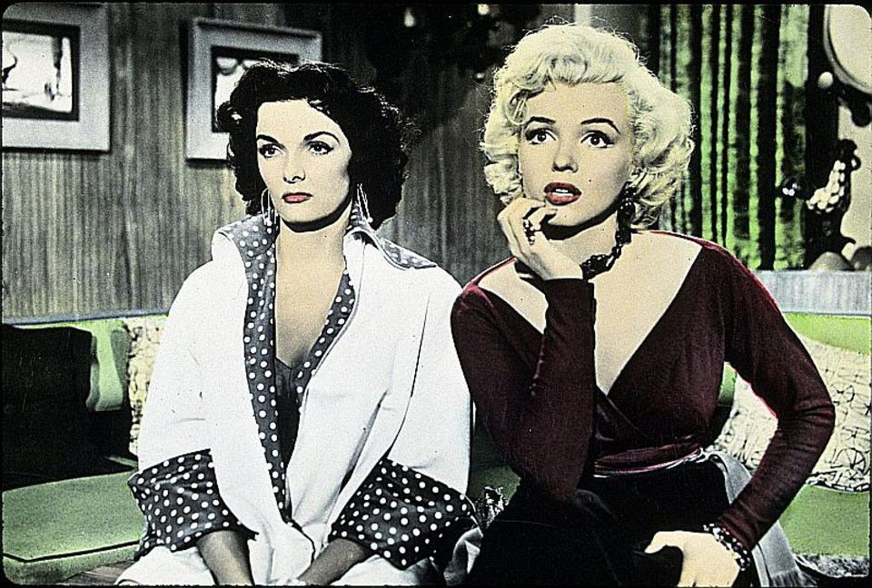 """Lorelei i Dorothy, """"Mężczyźni wolą blondynki"""", reż. Howard Hawks, 1953 r."""