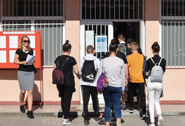Novi Sad mala matura polaganje djaci ucenici osnovna skola Ivan Gundulic foto Nenad Mihajlovic 6