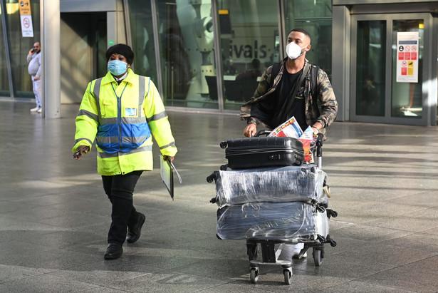 Kwarantanna dla podróżnych przybywających do Wielkiej Brytanii z 33 państw świata