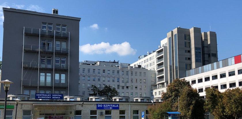 Dramat w warszawskim szpitalu. Pacjent wypadł z okna