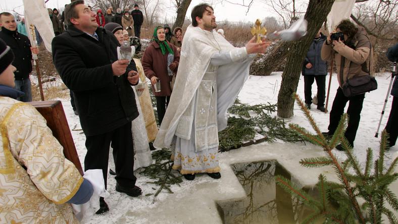 Świeto Chrztu Pańskiego zwane zwyczajowo świętem Jordanu.  Uroczystość w parafii prawosławnej w Sławatyczach celebrowane przez ks Michała Wasilczyka