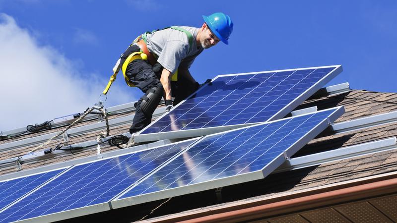 Tesla prezentuje nowe panele solarne